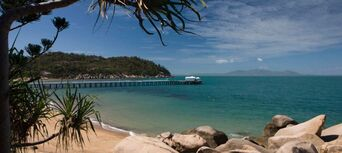 Townsville to Magnetic Island Return Ferry Transfer Thumbnail 3