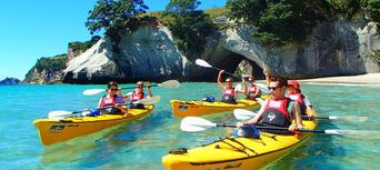 Cathedral Cove Kayaking Tour Thumbnail 3