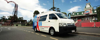 Gold Coast Theme Park and Airport Shared Transfer Package Thumbnail 5