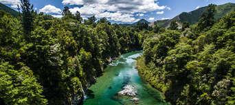 Hobbit Kayaking Tour on Pelorus River Thumbnail 5