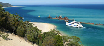Brisbane to Moreton Island Day Tour (with water activities) Thumbnail 4