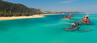 Brisbane to Moreton Island Day Tour (with water activities) Thumbnail 6