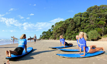 120 Minute Group Surf Lesson in Byron Bay Thumbnail 4