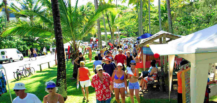Free Things To Do  Port Douglas Sunday Markets