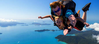 Airlie Beach up to 15,000ft Tandem Skydive Thumbnail 6