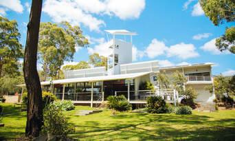 Luxury Carbon Neutral Hunter Valley Wine-Tasting Departing Sydney Thumbnail 1
