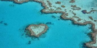 Whitsundays 60 Minute Scenic Flight Thumbnail 1