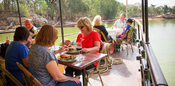Murray River Paddlesteamers Lunch Cruise from Echuca Thumbnail 3