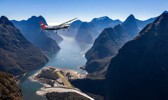 Milford Fly, Walk, Cruise and Fly Combo from Queenstown Thumbnail 2