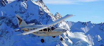 The Grand Traverse Scenic Flight from Lake Tekapo Thumbnail 2
